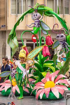 Las Palmasin karnevaalien 2020 lasten kulkue Lassi, Batman, Plants, Las Palmas, Plant, Planets