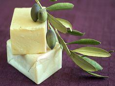 Η ΛΙΣΤΑ ΜΟΥ: Πως να φτιάξετε το δικό σας σπιτικό σαπούνι από ελ... Simple Minds, Natural Cosmetics, Pudding, Homemade, Crafts, Food, Clever Tips, Soaps, Recipies
