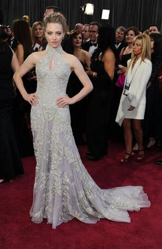 Amanda Seyfried #Oscars2013 #RedCarpet Love to meet her