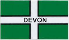 Bandera de Devon     Nuestro programa de inglés en Windmill House se realiza en Totnes. Éste es un pueblo único, situado en el corazón de Devon, en medio de la campiña inglesa, de gran cultura bohemia y artística, con un precioso market en la plaza del pueblo que se hace cada sábado. Totnes cuenta con una gran historia, un ambiente relajado y es  famoso por la comida orgánica, y el entorno pintoresco.    #WeLoveBS #inglés #idiomas #Totnes #ReinoUnido #RegneUnit #UK  #Inglaterra #Anglaterra