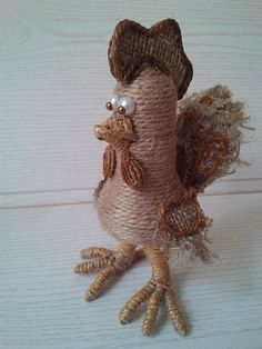 (30) Одноклассники Hessian Crafts, Twine Crafts, Burlap Art, Decor Crafts, Crafts To Make, Arts And Crafts, Rooster Art, Rope Art, Paper Gift Bags
