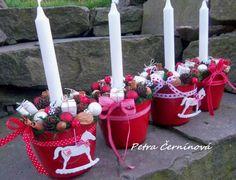 Sweet home : Christmas Christmas Flowers, Christmas Candles, Christmas Projects, Winter Christmas, Christmas Wreaths, Christmas Ornaments, Christmas Arrangements, Christmas Centerpieces, Handmade Christmas Decorations
