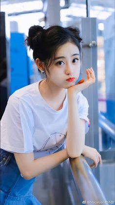 Our social Trends Korean Beauty Girls, Pretty Korean Girls, Cute Korean Girl, Cute Asian Girls, Mode Ulzzang, Ulzzang Korean Girl, Korean Girl Photo, Cute Girl Photo, Beautiful Chinese Girl