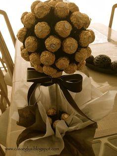 30 Marzo 2014 DIY: Topiario Ferrero Rocher Epale amigos, no saben la delicia de DIY que les traigo, es un árbol con chocolates Ferrero...