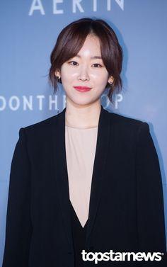 서현진 Korean Actresses, Korean Actors, Seo Hyun Jin, Singer Fashion, Beauty Inside, Korean Beauty, Beautiful Actresses, Korean Girl, Celebrities