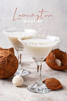 This lamington-inspired chocolate and coconut cocktail is perfect for celebrating Australia day! Gin Martini Recipe, Gin Cocktail Recipes, Martini Recipes, Easy Cocktails, Drinks Alcohol Recipes, Yummy Drinks, Fancy Drinks, Chocolate Cocktails, Chocolate Liqueur