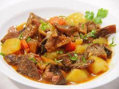 Níscalos estofados con patatas   Cocina sin Carné Patatas Guisadas, New Recipes, Vegan Recipes, Guisado, Pot Roast, Food And Drink, Menu, Ethnic Recipes, Business