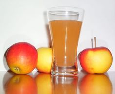 Learn how to make this apple cider vinegar morning detox drink from this recipe. Check out this healthy apple cider vinegar detox drink recipe. Home Remedies For Gout, Gout Remedies, Natural Remedies, Cider Vinegar Benefits, Apple Cider Vinegar Remedies, Apple Health Benefits, Canned Apples, Juice Diet, Fruit Juice