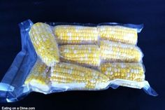Did you find fresh corn for cheap. See how to freeze corn on the cob to save you money. Freezing Fresh Corn, Freezing Vegetables, Frozen Vegetables, Veggies, Frozen Corn Recipes, Corn Souffle, Skillet Corn, Corn In The Microwave, Garlic Cheese