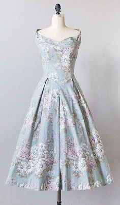 Cuteness Overload with Vintage Floral Dress Vintage 1950s Dresses, Vestidos Vintage, Vintage Clothing, Vintage Inspired Outfits, Vintage Outfits, Floral Outfits, Floral Dresses, Pretty Outfits, Beautiful Outfits