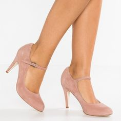 Strappy Shoes, Nude Shoes, Shoes Heels Pumps, Flat Shoes, Flats, High Heels, Silver Heels Prom, Prom Heels, Fall Heels