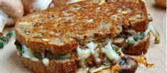 My latest Musely find blew my mind: Mushroom Grilled Cheese Sandwich!