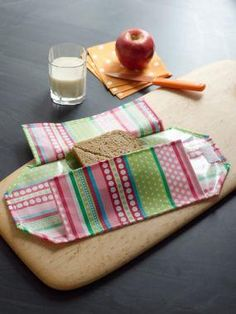 DIY School Lunch Bag: DIY  Make a Reusable Sandwich Wrap