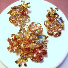 Vintage Weiss Flower Bouquet Molded Rhinestone Brooch Earrings Demi Parure