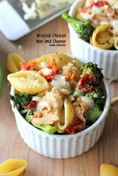 Broccoli and Chicken Mac n Cheese. INGREDIENTS: pasta shells, broccoli florets, milk, julienned sun dried tomatoes, Cheese, chicken breast, salt and black pepper