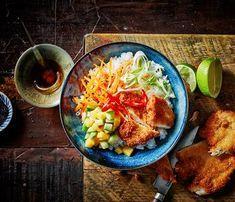 poke-bowl-krokante-kip/ - The world's most private search engine Poke Bowl, Indian Food Recipes, Asian Recipes, Healthy Recipes, Healthy Food, Poker, Poke Recipe, Sushi Bowl, Food Goals
