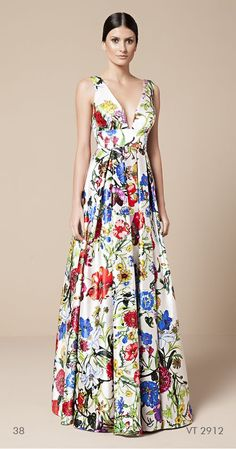 Swans Style is the top online fashion store for women. Shop sexy club dresses, jeans, shoes, bodysuits, skirts and more. Pretty Outfits, Pretty Dresses, Beautiful Outfits, Floral Maxi Dress, Dress Skirt, Dress Up, Evening Dresses, Summer Dresses, Formal Dresses