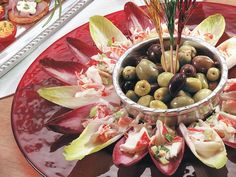 Deli shellfish adds crunch to these Belgian endive wreath salad appetizers that are ready in just 15 minutes. Quick and Easy. Appetizer Salads, Christmas Appetizers, Appetizer Recipes, Salad Recipes, Healthy Foods To Eat, I Foods, Healthy Eating, Healthy Recipes, Christmas Cooking