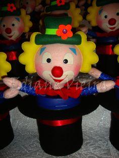 Centro de mesa: Festa Circo - edianevov@yahoo.com.br / https://www.facebook.com/edianefeltro?ref=hl