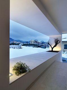 Beautiful Frame! Horizontal Space House  by Damilano Studio Architects