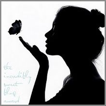 black and white girl silhouette butterfly Cover Wattpad, Silhouette Art, Woman Silhouette, Silhouette Pictures, Silhouette Photography, White Photography, Photography Women, Amazing Photography, Silhouettes