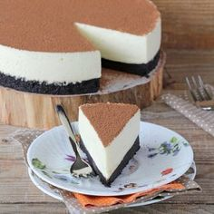 No bake white chocolate cheesecake, smooth, creamy and delicious!