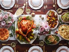 Thanksgiving Menus That Will Make November So Much Easier Looking for the best Thanksgiving menus around?Looking for the best Thanksgiving menus around? Thanksgiving Dinner Recipes, Vegan Thanksgiving, Thanksgiving Table, Thanksgiving Blessings, Holiday Meals, Holiday Dinner, Thanksgiving Decorations, Holiday Recipes, Holiday Decor