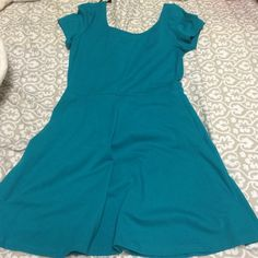 F21 dress Cute greenish dress for the spring/summer. NEVER worn because it doesn't fit me right so literally like new. Forever 21 Dresses
