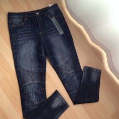 Brand New Highwaisted Jeans!!FINAL SALE!! Brand new Highwaisted jeans size 9/10 curvy. nice and quality! They would fit size 8-10. very stylish, hard to find cute jeans like this! Rue 21 Jeans