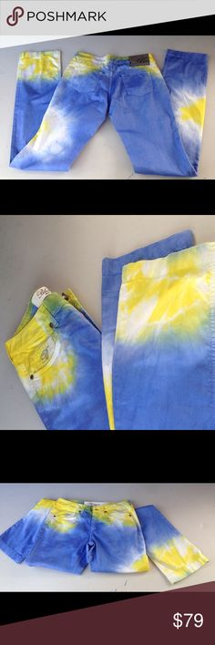 Blumarine 2 tones women pants Blue & Yellow Stunning slim long legs by Blumarine Made in Italy. Color beautiful blue, yellow and white. 100 % light cotton material. Blumarine Pants Straight Leg