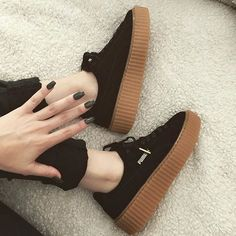 Thank you for the new kicks adding more to my addiction by sahlt_ Moda Sneakers, Shoes Sneakers, Shoes Heels, Pumas Shoes, Adidas Shoes, Sneakers Fashion, Fashion Shoes, Le Tennis, Fresh Shoes