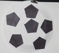 paper plate soccer ball -- #sports, #toddler, #preschool