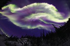 Auroral breakup   Brooks Range in Alaska. Aurora has been observed on March 16 at midnight. Aurora is spread from one place to spout of the sky.