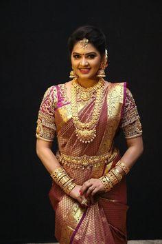 Beautiful Indian TV Actress Rachitha Mahalakshmi in Maroon Silk Saree Gold Silk Saree, Silk Sarees, Indian Sarees, Beautiful Girl Indian, Most Beautiful Indian Actress, Beautiful Gorgeous, Beautiful Saree, Indian Tv Actress, Indian Actresses