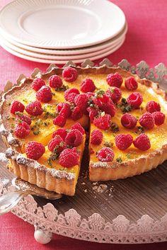 Citroentaart met frambozen is part of Food 1 quichevorm Ø ca 24 cm - Triple Chocolate Mousse Cake, Good Food, Yummy Food, Cake & Co, Dutch Recipes, Cupcake Cookies, No Bake Desserts, Food Inspiration, Delish