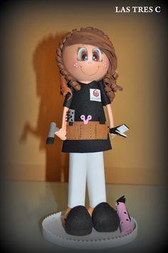 MUÑECA FOFUCHA PELUQUERA Diy Crafts Phone Cases, All Craft, Diy Doll, Chiffon, Harajuku, Cake Decorating, Projects To Try, Make It Yourself, Dolls