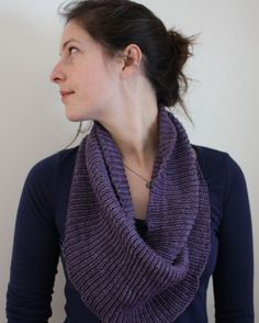Lilac Wine Lilac Wine is a super simple, super elegant cowl, perfect for fall, winter, and spring! Yarn Options Mineville Merino DK: 2 skeins Mineville Angora Wool: 1 skein ON SALE! Knit Cowl, Knitted Shawls, Knitting Scarves, Knitting Patterns, Crochet Patterns, Knitting Ideas, Cowl Patterns, Easy Knitting, Yarn Projects