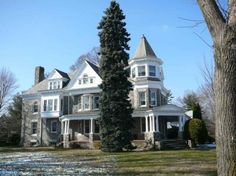 Homes On Pinterest Victorian House Victorian And Abandoned Castles
