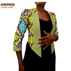 African Fashion Traditional, African Inspired Fashion, African Print Fashion, African Blouses, African Tops, African Women, African Wear Dresses, Latest African Fashion Dresses, African Attire