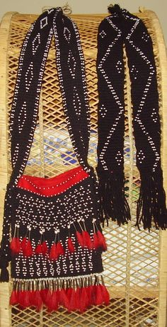 Finger weaving by Irene Rogers. Native American Dress, Native American Regalia, Native Style, Native Art, Finger Weaving, Hand Weaving, Pioneer Crafts, Art Indien, Woodland Indians