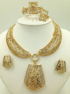 Jewelry Set Gold Plated Jewelry Sets for Women African Beads Crystal Hollow Charms Nigeria Necklace Earrings Wedding Brides Jewellery Sets Women's Jewelry Sets, Metal Jewelry, Women Jewelry, Fashion Jewelry, Gold Set, Bridal Jewelry, Bridal Accessories, Gold Jewellery, African Beads