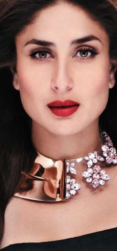 Kareena Kapoor her make up *_*