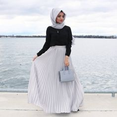 Robe Hijab Moderne 2019 Hijab Fashion and Chic Style Hijab Style Robe Longue Hijab Moderne 2019 avec Robe Hijab Fashion and Chic Sty. Islamic Fashion, Muslim Fashion, Modest Fashion, Skirt Fashion, Hijab Fashion, Trendy Fashion, Fashion Outfits, Cute Modest Outfits, Eid Outfits
