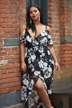 Cherie Floral Cold Shoulder Wrap Dress #plussize #fashionaddict #trends #fashion #trendsetter #affilatelink