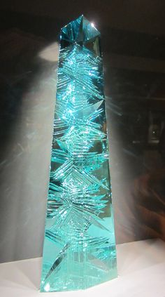 Yesterday my friend Ann and I visited the Smithsonian Museum of Natural History to see the newly-exhibited Dom Pedro aquamarine. A story in the Post had piqued my interest. It's a beauty, equal to the famous Hope diamond nearby. The Museum is showing a new 3-D IMAX movie