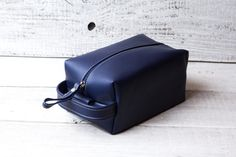 Personalized leather dopp kit bag shaving toiletry case. Groomsman gift for him. Mens gift. Blue