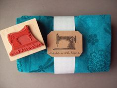 Vintage Sewing Machine Rubber Stamp, Made with Love, for stamping hand-sewn gifts Bullet Journals, Art Journals, Sewing Clipart, Love Stamps, Sewing Projects For Kids, Fabric Paper, Stamp Making, Handmade Shop, Sewing Hacks