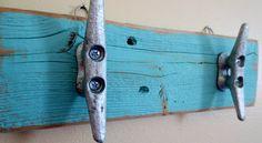 Cale de bateau turquoise crochets décor nautique recyclé bois Ocean Beach Decor côtières Decor clé crochets plage serviette crochets Upcycled Shabby Chic