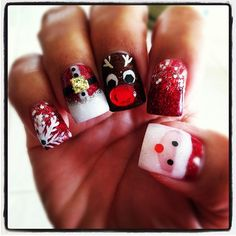 Christmas acrylic nails by Jeanine L.
