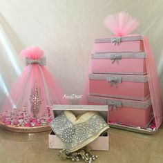 Blush pink & silver engagement set made for a beautiful client. Here we have shirni tray, gift boxes & desmaal. For more info or for your own bespoke set get in touch via dm/email/whatsApp Wedding Gift Baskets, Wedding Gift Wrapping, Wedding Cards, Wedding Favors, Diy Wedding, Wedding Decorations, Indian Wedding Gifts, Arab Wedding, Afghan Wedding